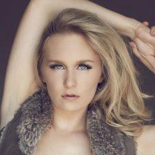 Malorie Mackey Modeling Portfolio